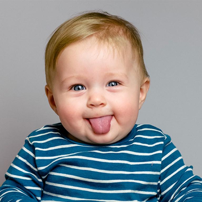 il-tuo-bambino-ha-un-anno-1067255_w767h767c1cx510cy248.jpg